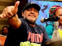 Diego_Maradona_2015